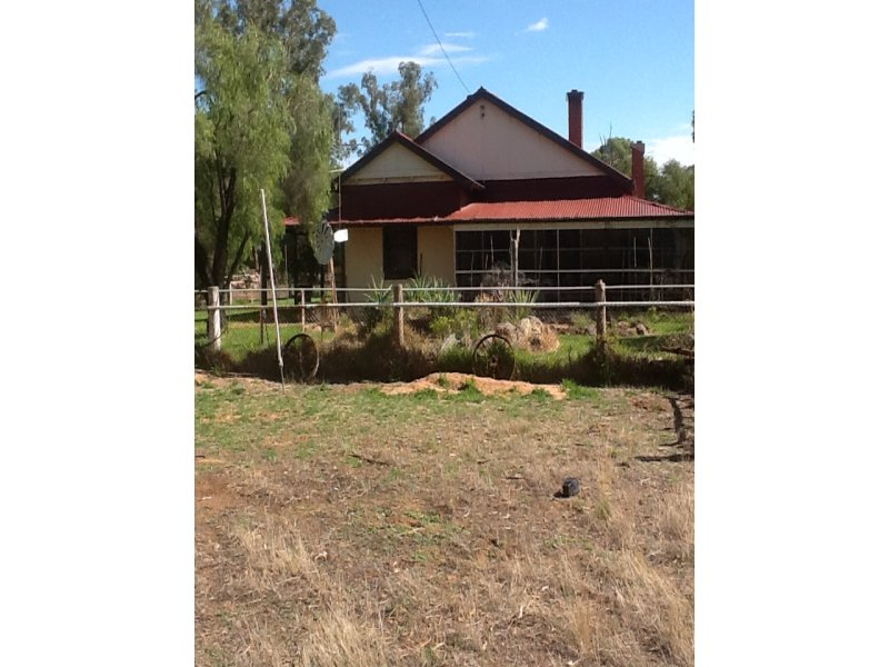 328 Lavis Road, Hopefield, NSW 2646