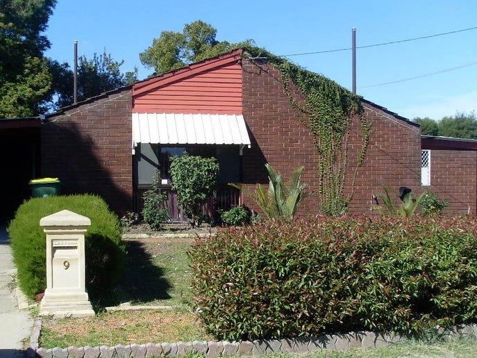 9 Diosma Way, Forrestfield, WA 6058
