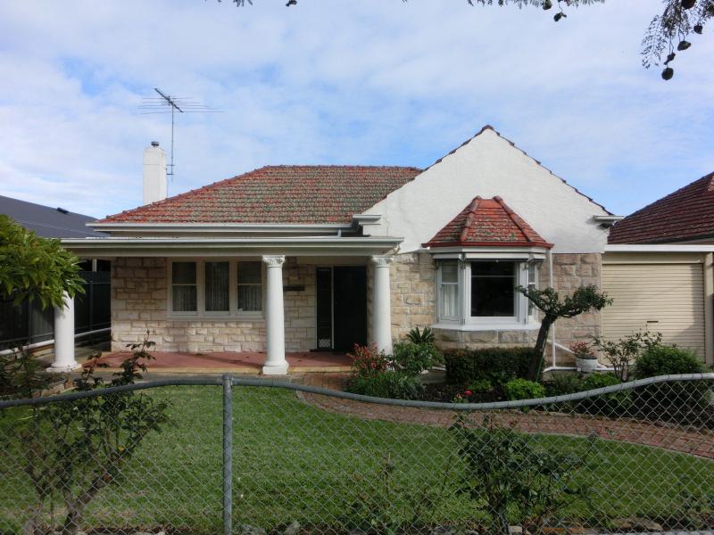 16 Cheviot Avenue, Lower Mitcham, SA 5062