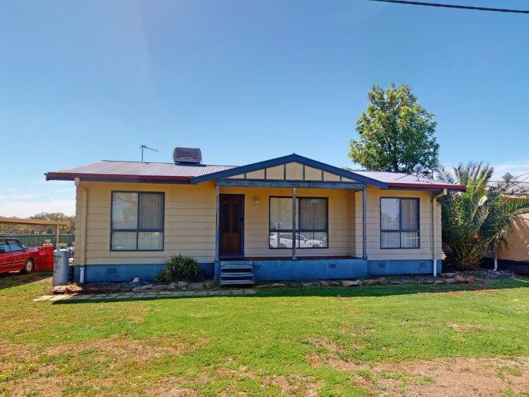 8 Percy Street, Old Junee, NSW 2652