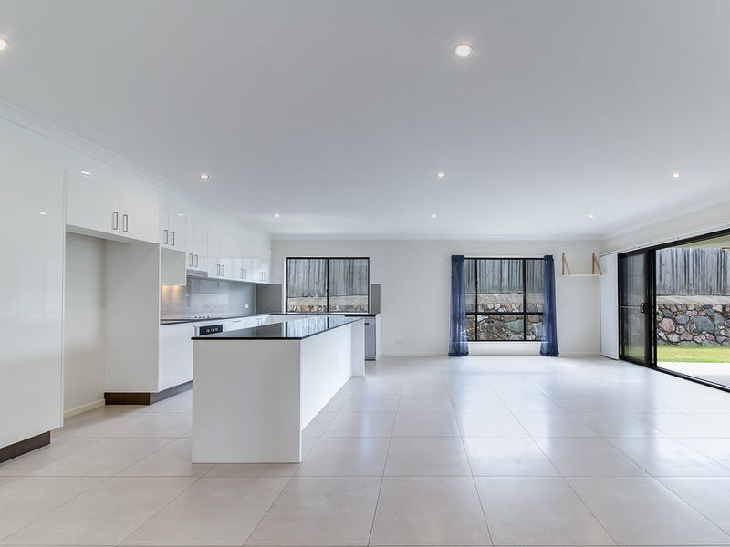 12-14 Moss Day Place, Burnside, Qld 4560