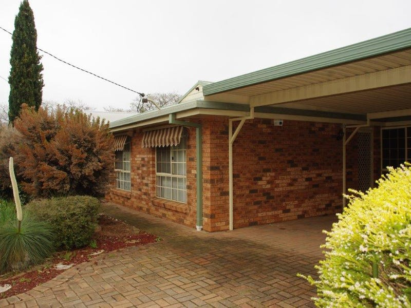 28 Gobolion Street, Wellington, NSW 2820