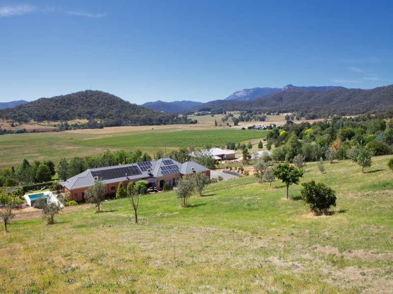 40   Buffalo Creek Road, Myrtleford, Vic 3737