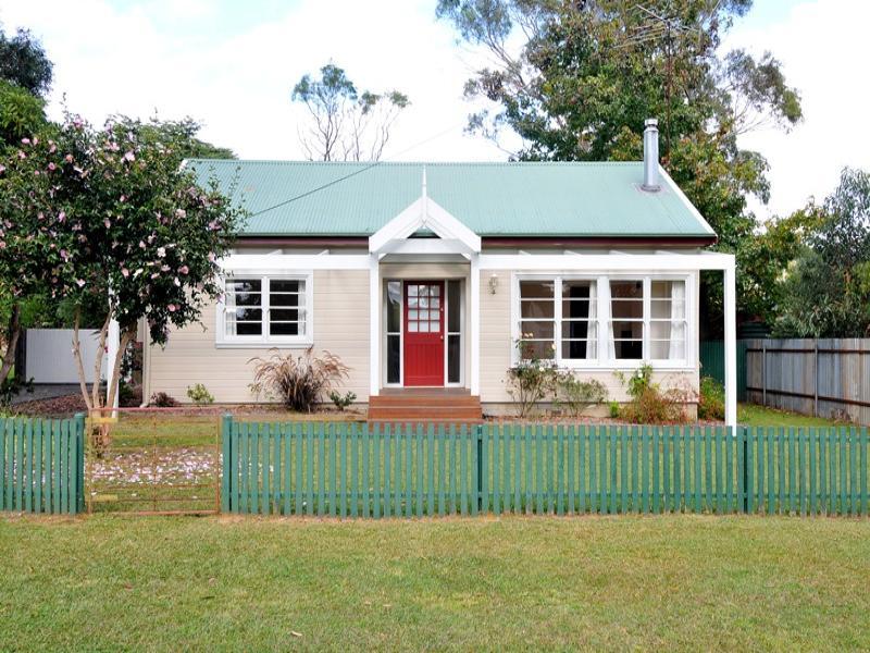 1 Knowles Road, Aylmerton, NSW 2575
