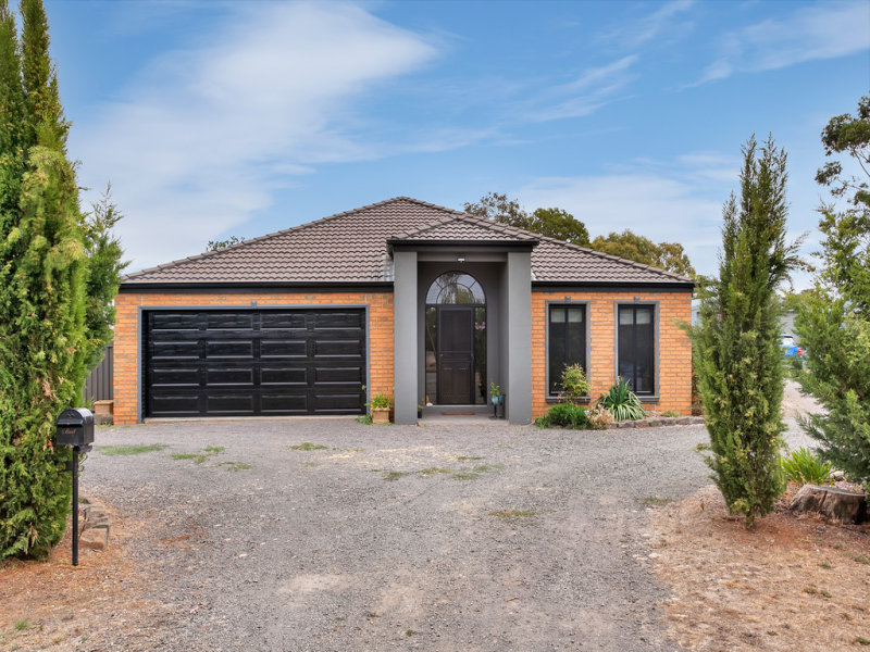 18 Beckwith Street, Clunes, Vic 3370