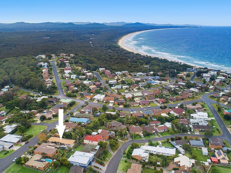 1&2/74 Raleigh Street, Scotts Head, NSW 2447
