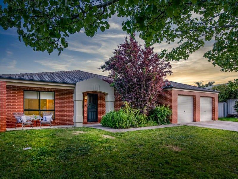 19 Adams Court, Thurgoona, NSW 2640