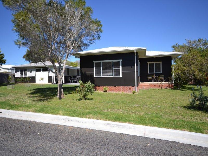 2 Conjola Street, Currarong, NSW 2540