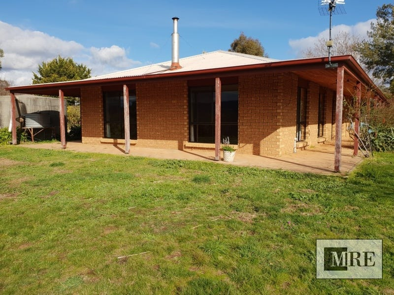 595 Goughs Bay Road, Goughs Bay, Vic 3723