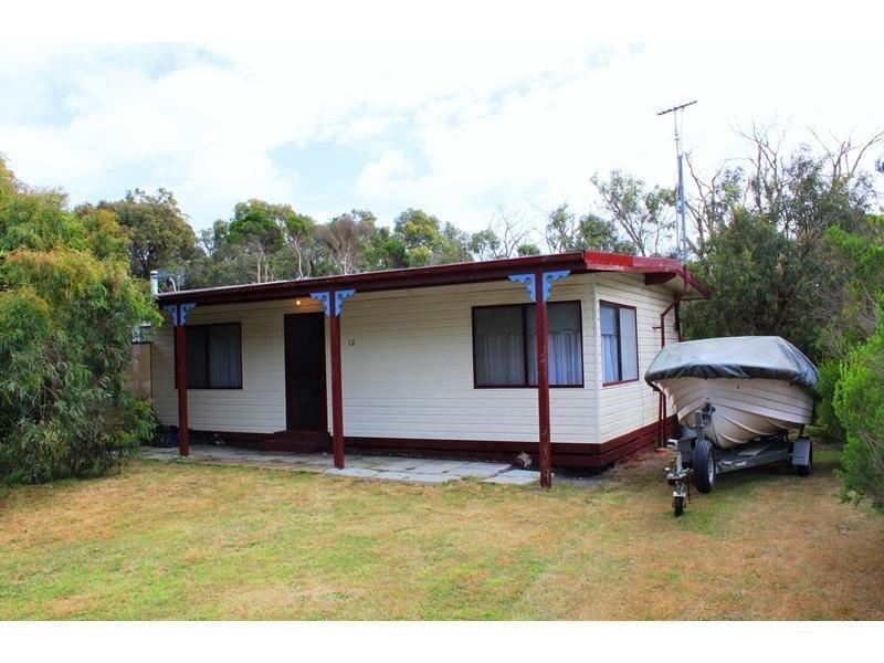 12 MACKINNON COURT, Walkerville, Vic 3956