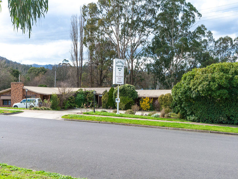 6 Hillside Avenue South, Eildon, Vic 3713