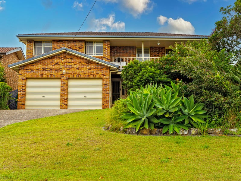 82 Lakeview Crescent, Forster, NSW 2428