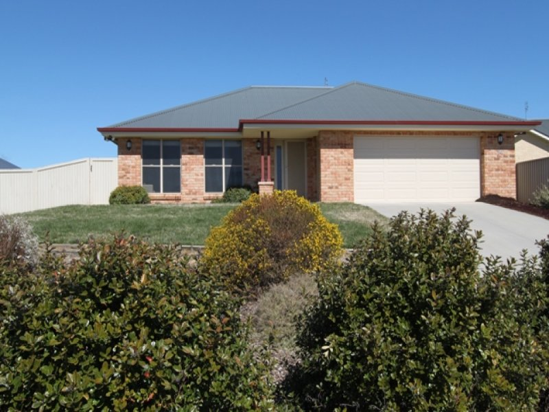 24 Riverside Retreat, Bathurst, NSW 2795