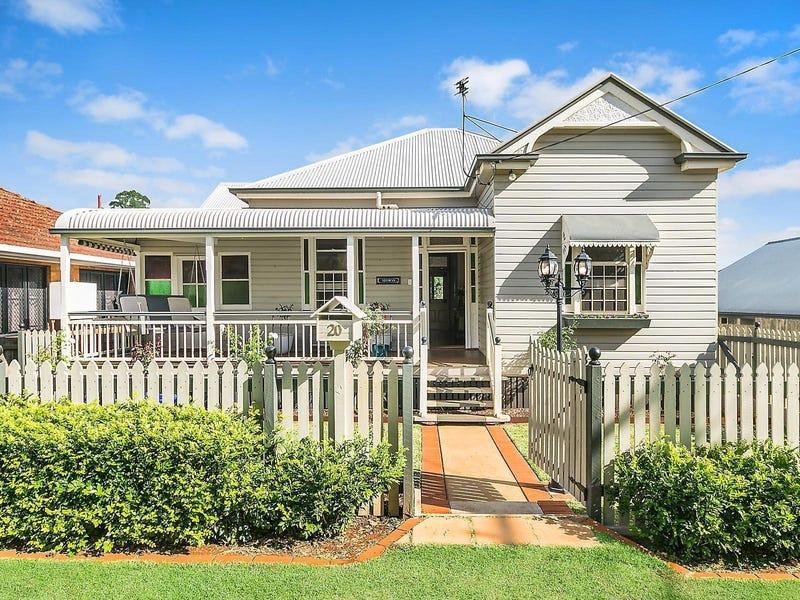 20 Robinson Street, North Toowoomba, Qld 4350