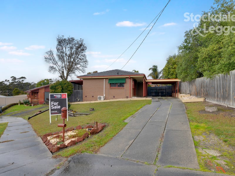 6 Moon Court, Churchill