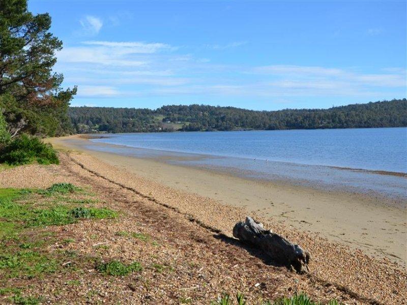 210 Paper Beach Road, Swan Point, Tas 7275