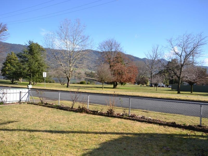 72  Lakeside Avenue, Mount Beauty, Vic 3699