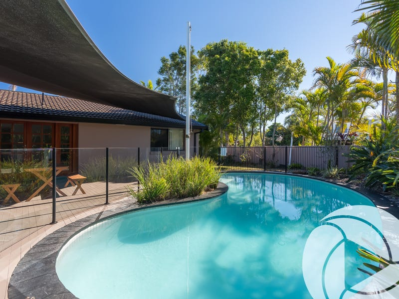 8 Forster Avenue, Sorrento, Qld 4217