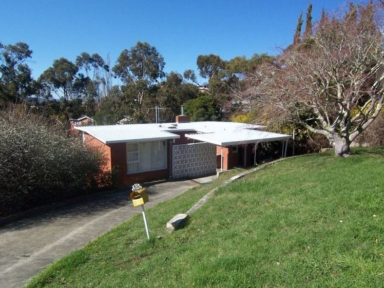 11 Goodhart Place, Sandy Bay, Tas 7005