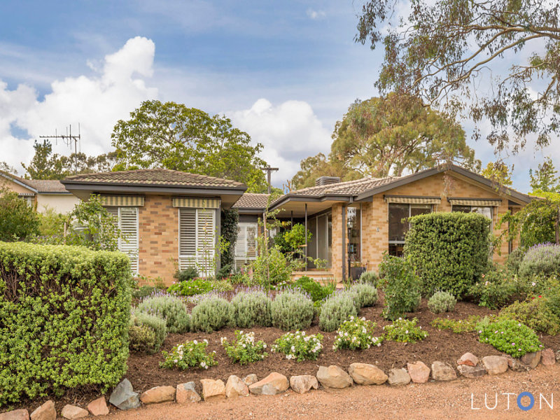 4 Wynter Place, Hughes, ACT 2605