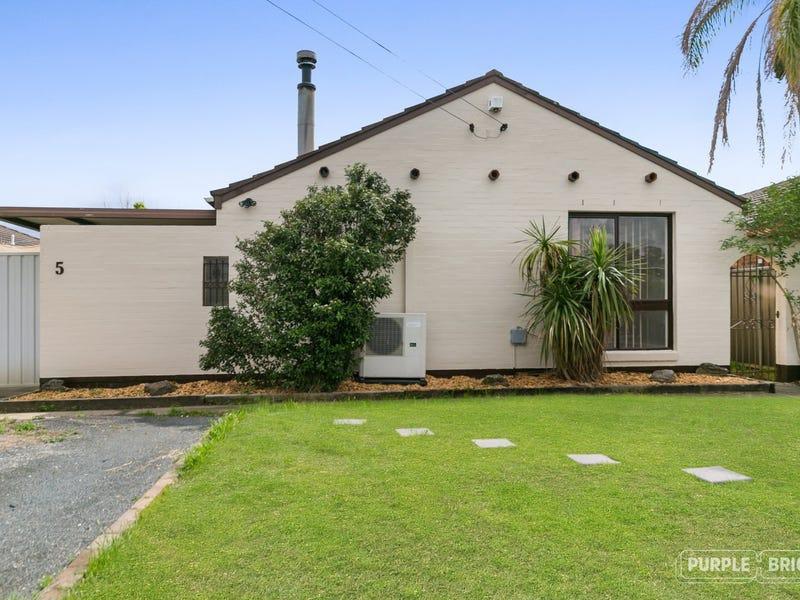 5 Michele Avenue, Cambridge Park, NSW 2747