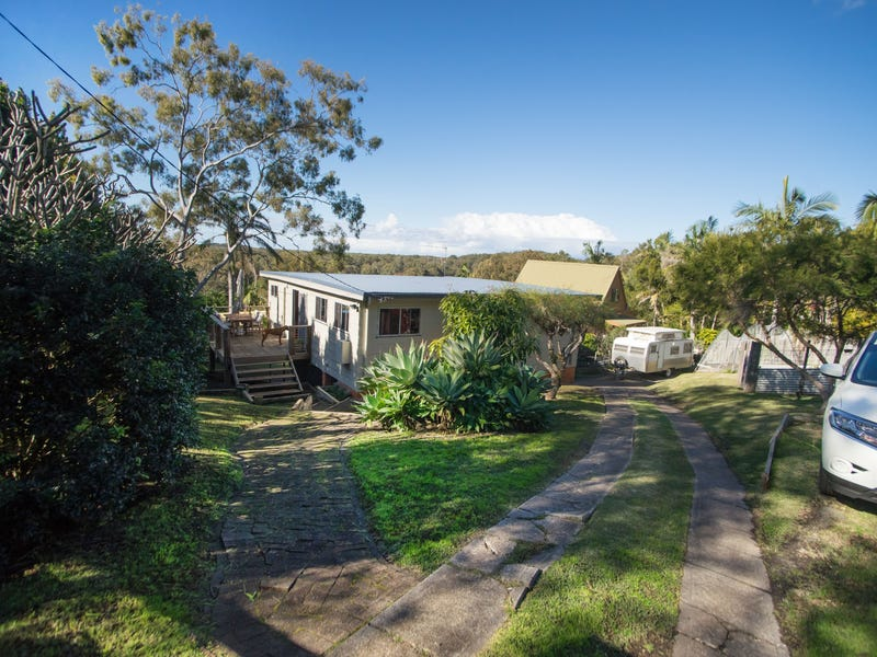 14 Lucas Avenue, Green Point, NSW 2428