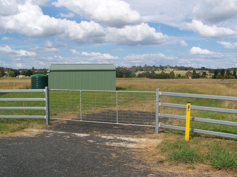 8 Macleay Way, Armidale, NSW 2350
