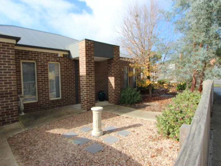 1/2 Pickett Crescent, Belmont