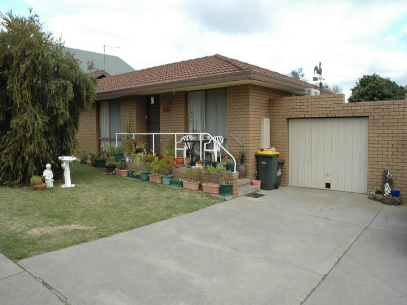 2/54 Burke Street, Maryborough, Vic 3465