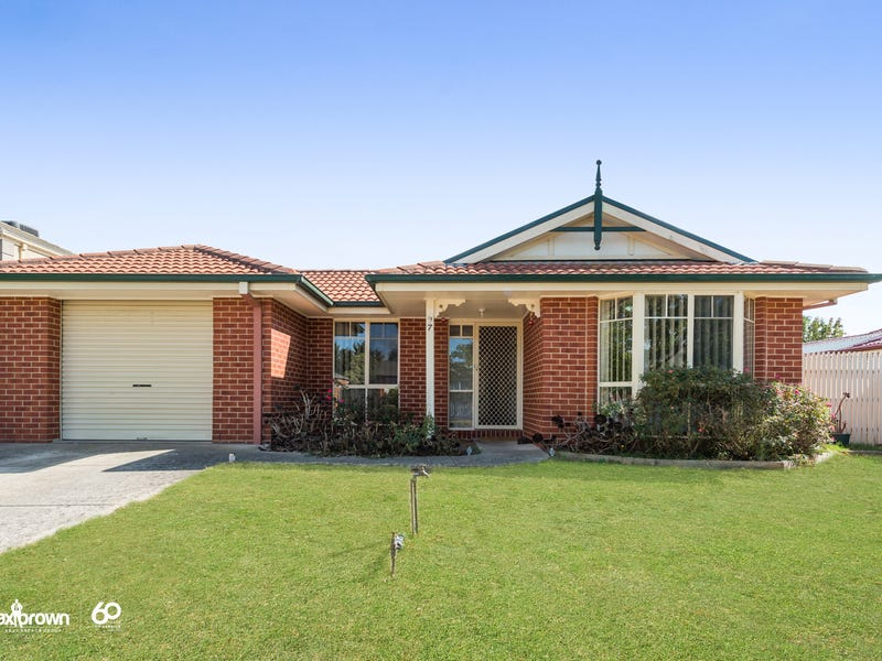 97 Strathaird Drive, Narre Warren South, Vic 3805