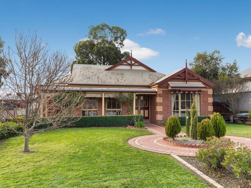 3 Lauren Court, Kangaroo Flat, Vic 3555