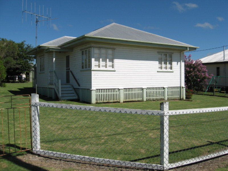 2 Phillip St, Mundubbera, Qld 4626