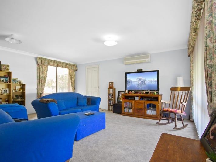 62 Melaleuca Crescent, Catalina, NSW 2536
