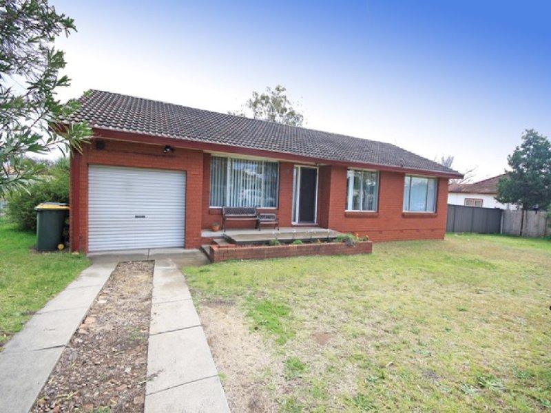 10 Windsor Street, Macquarie Fields, NSW 2564