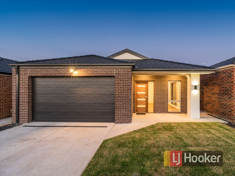 9 Saloon Circuit, Clyde North, Vic 3978