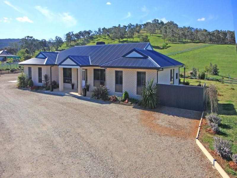 878 Centaur Road, Lavington, NSW 2641