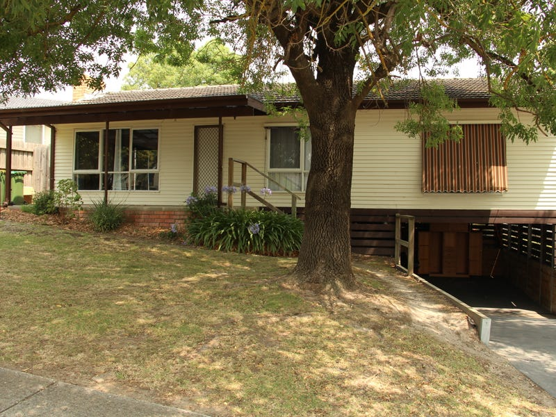 15 Dunoon Street, Mooroolbark, Vic 3138