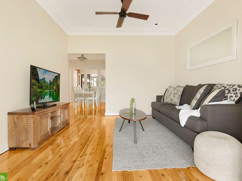 8 Grasmere Street, Mount Saint Thomas, NSW 2500
