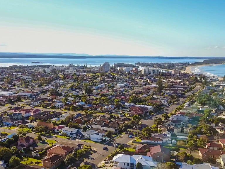 2 Moorah Avenue, Blue Bay, NSW 2261