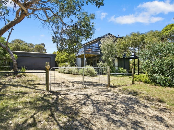 16 Aireys Street, Aireys Inlet, Vic 3231