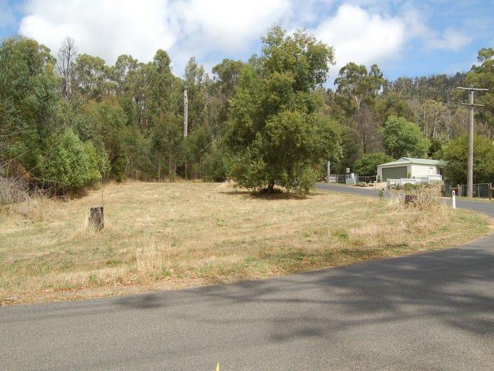 3 Silver Parrot Road, Hazeldene, Vic 3658