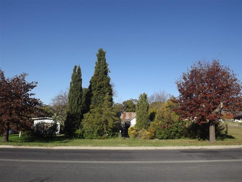 19 Campbell, Adelong, NSW 2729