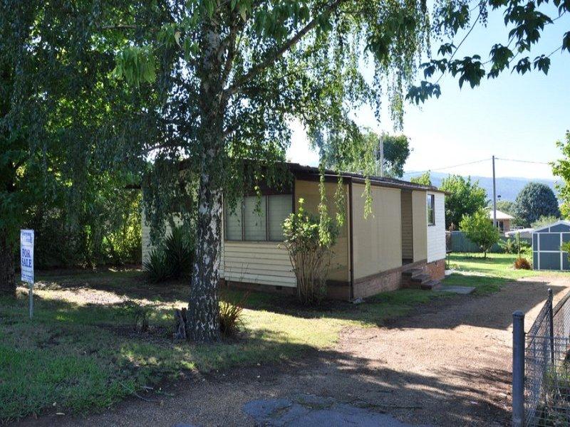 12 Chisholm Street, Khancoban, NSW 2642