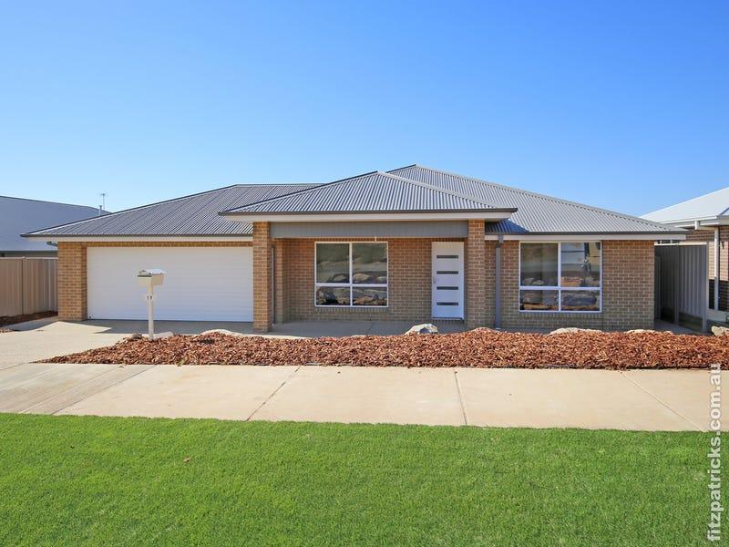19 Waterhouse Avenue, Lloyd, NSW 2650
