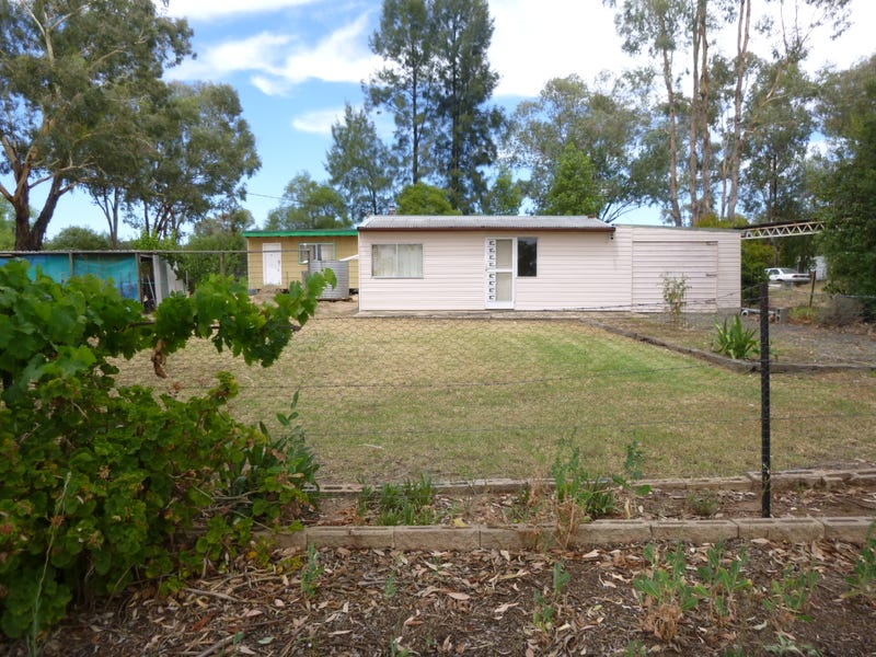 30 Boorowa Street, Koorawatha, NSW 2807