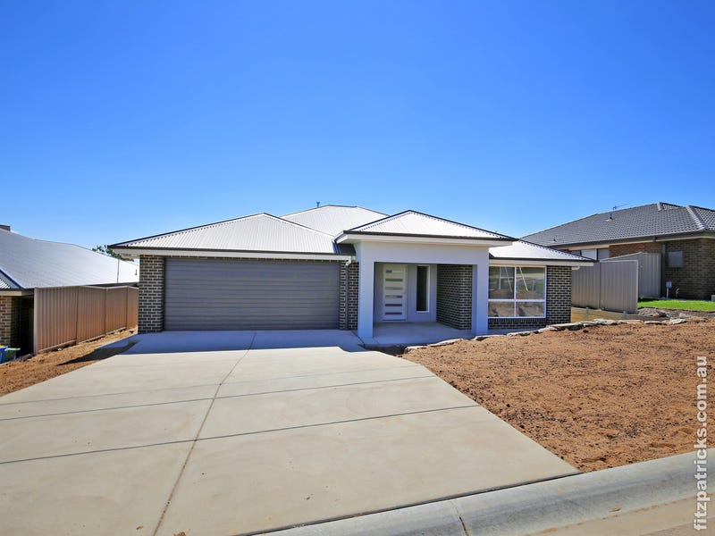 8 Darcy Drive, Boorooma, NSW 2650
