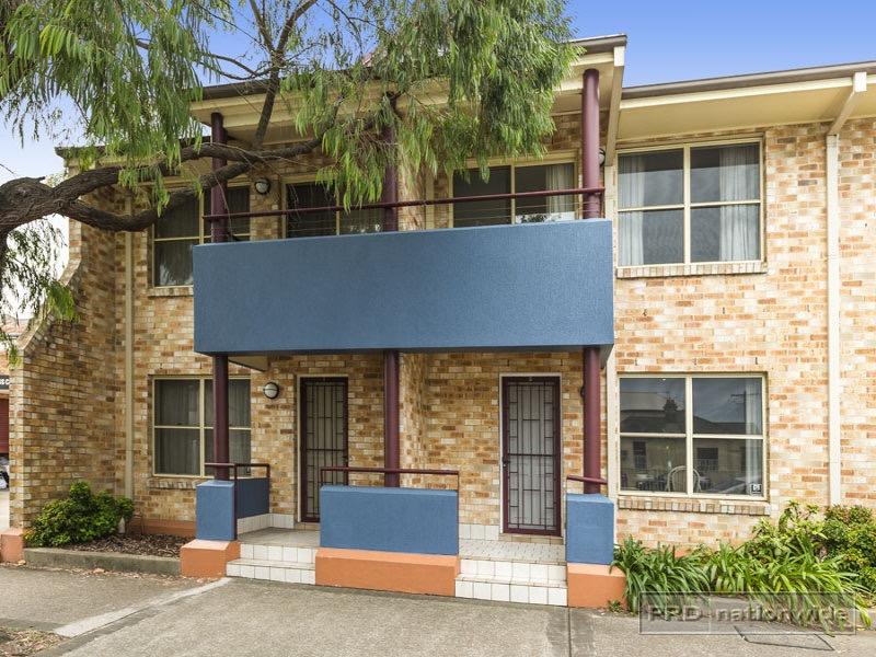 2/22 Donald Street, Hamilton, NSW 2303