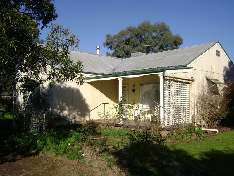 10 Main Street, Gooloogong, NSW 2805