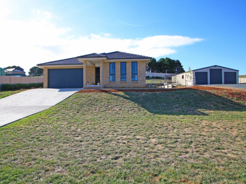 15 Lithgow Place, Bungendore, NSW 2621
