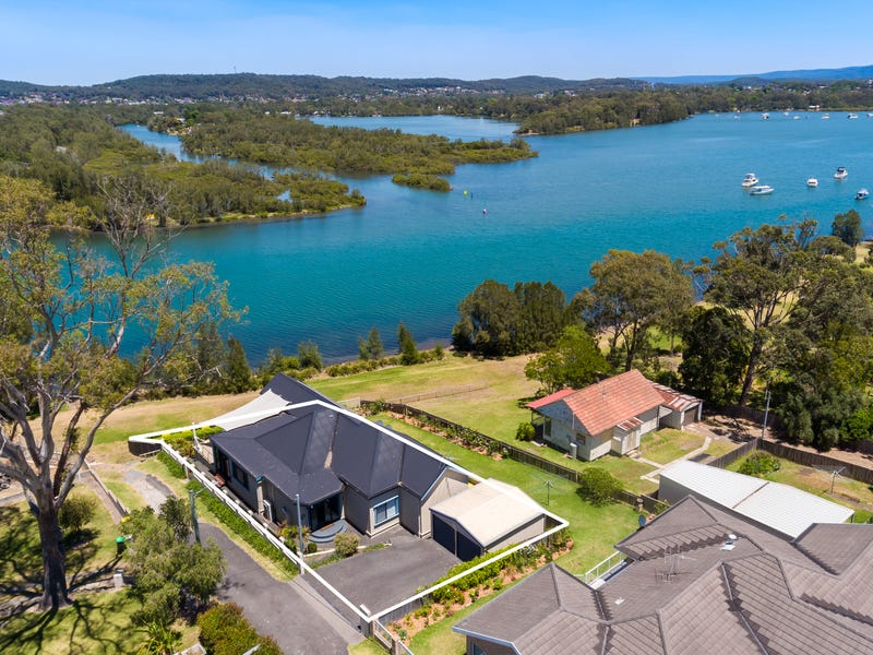 1 Figtree Lane, Fennell Bay, NSW 2283